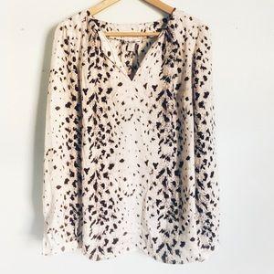 Long sleeve white blouse, snow leopard